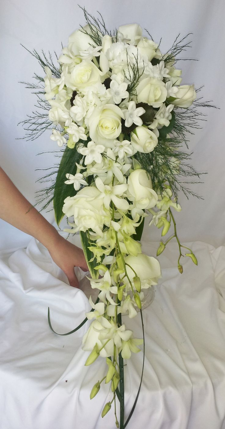 1000+ Ideas About White Bridal Bouquets On Pinterest