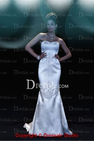 Classic Mermaid Wedding Dress with Strong Sexy Touch and Scalloped Bodice