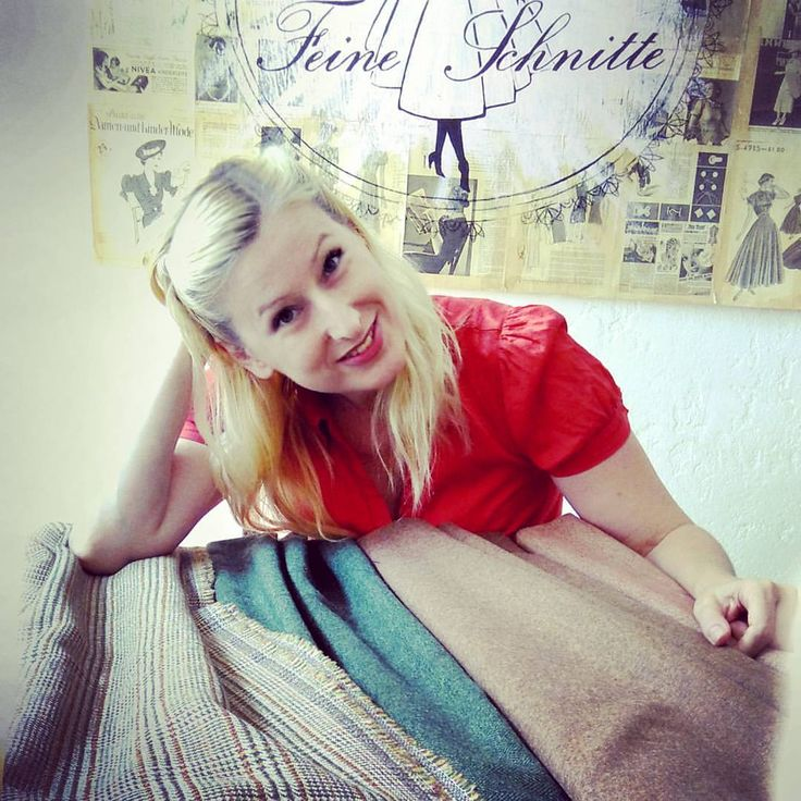 "I ❤ my vintage fabrics! #tweed #wool #vintagefabric #glencheck #herringbone #vintagestyle #vintagefashion #tailor #tailoring #sewing #berlin #berlinfashion kelly zehe: ""Pure 100% wool tweed is the greatest material in the world!"""