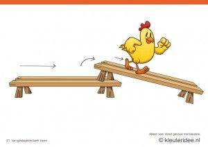 Bewegingskaarten kip voor kleuters 21, Van gestapelde bank lopen , kleuteridee.nl , thema Lente, Movementcards for preschool,  free printabl...