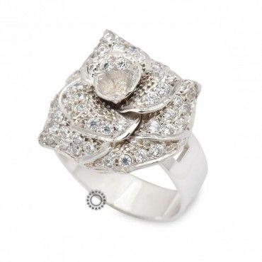 Επιβλητικό χειροποίητο δαχτυλίδι λευκόχρυσο Κ18 με μεγάλο τριαντάφυλλο από λευκές πέτρες σε όλα τα πέταλα | Δαχτυλίδια ΤΣΑΛΔΑΡΗΣ στο Χαλάνδρι #τριανταφυλλο #ζιργκον #λευκοχρυσο #δαχτυλίδι