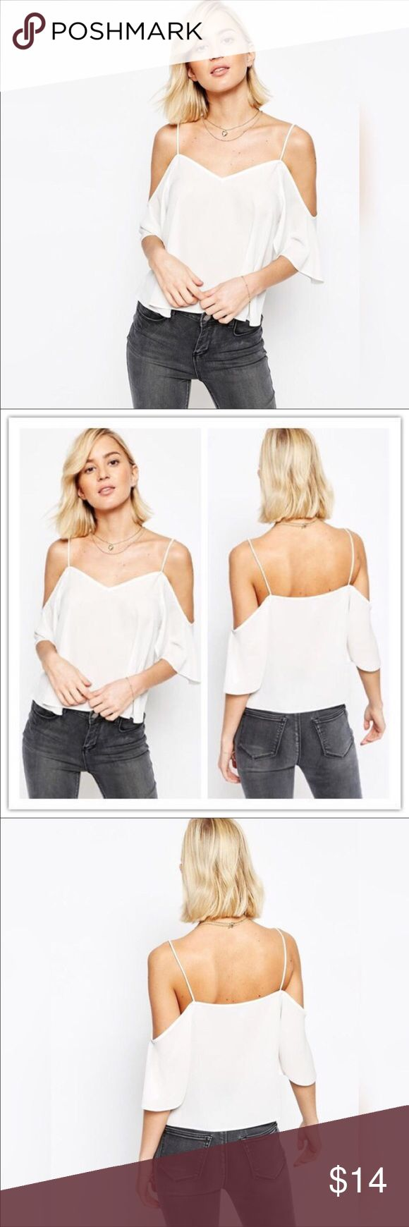 🎉🎊Off shoulder Chiffon Blouse bestseller❤️ Off shoulder chiffon blouse is a best seller in my closet color: cream/dirty white size medium perfect for the summer look sexy and stylish fashion Tops Blouses