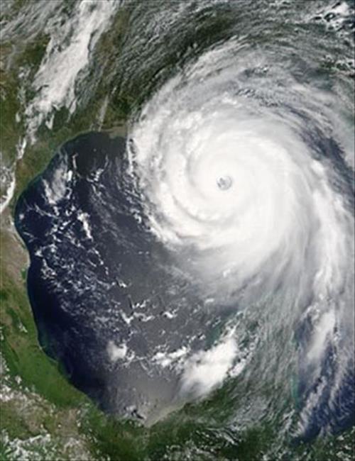 Imagen satelital del huracán Katrina.-