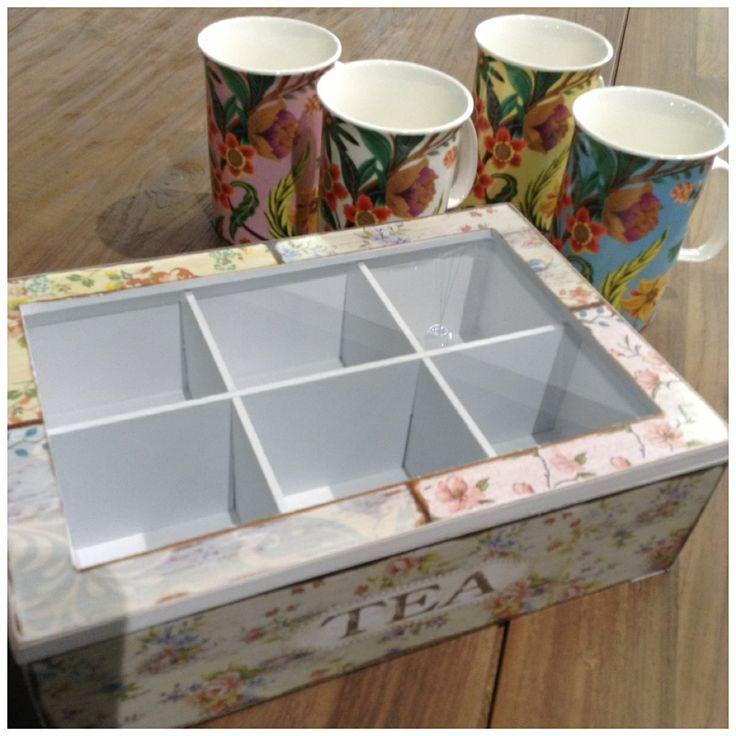Κουτι με θηκες για το τσαι.Βρειτε μεγαλη συλλογη στο Woodhouse για εσας και για τις φιλες σας !Στο Woodhouse www.woodhouseshop.gr