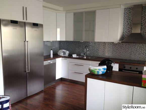 ikea kök,bosch vitvaror,rostfritt,valnöt bänkskiva,lägenhet