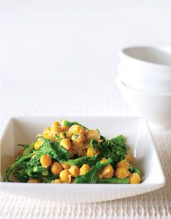 Italian-Style Rapini with Chickpeas - I think this would be nice served with Polenta.