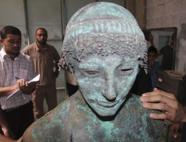 Estátua do deus Apolo é encontrada na faixa de Gaza