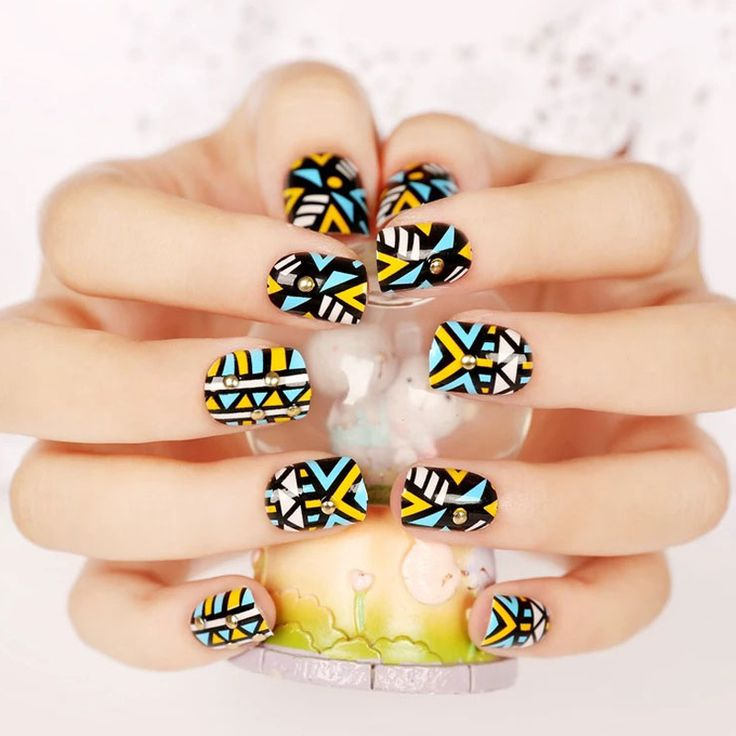 Faux ongle Nail Art Tips 24pcs/set Geometric Studs Nail Beauty Fashion Products Women Plastic 3D Artificial Fingernail unhas