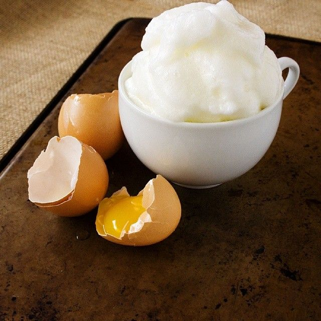 "Enlarged Pores? Egg Whites can help. Yes, the ""egg white face lift"" can tighten and lift the skin- temporarily (it's a preventative measure). Whip up egg whites and apply to your face as a mask. Let sit for 15 minutes, then rinse off with lukewarm water. Don't use hot water or you'll have scrambled egg all over your face! #KreationJuice #healthy #beautytrick #beautytip #beautysecret #eggs #facial #facelift #naturalbeauty"