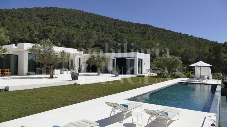 Ibiza - Jesus: Ref. 938 Single-level luxury villa in central but quiet location with landscape views