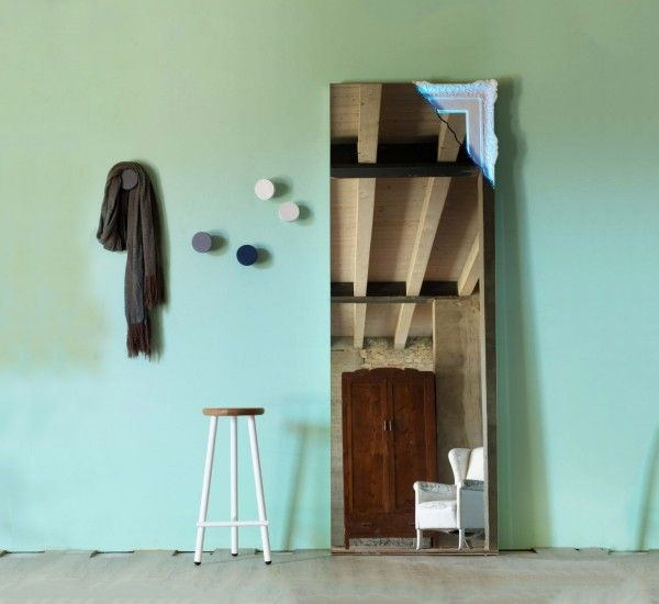 Breccia is a mirror of Creative Design for Miniforms. Mirror with corner backlit in LED.