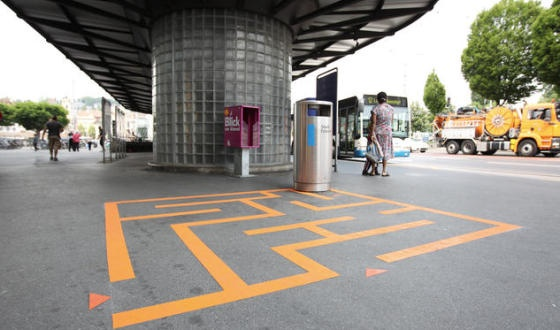 Creative campaign in Switzerland to get people to notice public trashcans in an effort to curb littering.Ideas, Public Spaces, Street Art, Interactive Art, Floors Stickers, Lucerne Switzerland, The Cities, Fun, Design