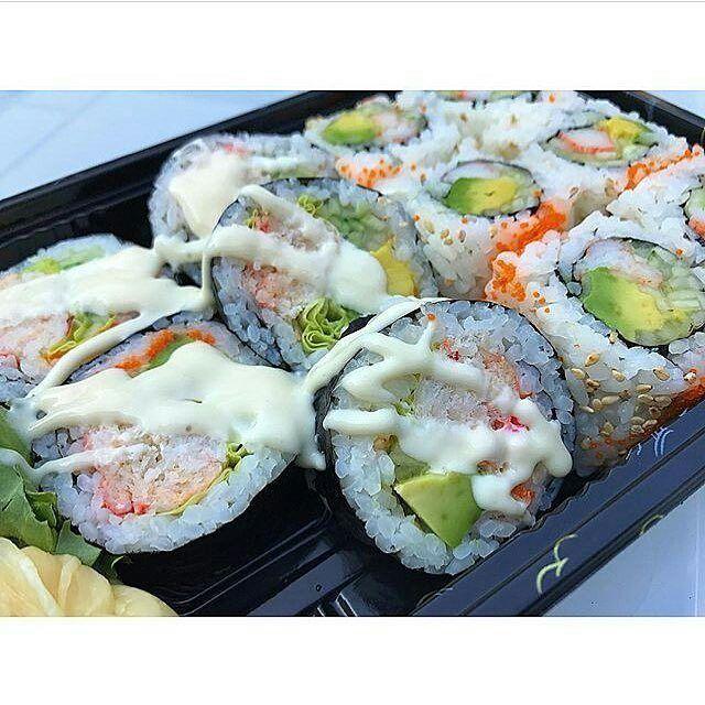 Algo así quiero. Se ve deliciosos verdad?  @Regrann from @aesthetisushi -  Want  | @li__foodie | - - #aesthetic #sushi #sushiroll #sushibar #sushiporn #sushilover #sushilovers #sushitime #instasushi #nigiri #temaki #sashimi #wagyu #sake #hibachi #lobster #crab #shrimp #tuna #salmon #fish #seafood #foodie #foodporn #instafood #cooking #chef #delicious #tasty #yum