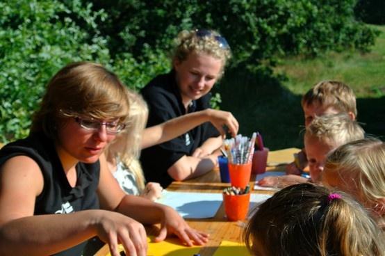 Kidsclub bij het duinmeer van Hee op Terschelling www.mooiweerzomerspelen.nl