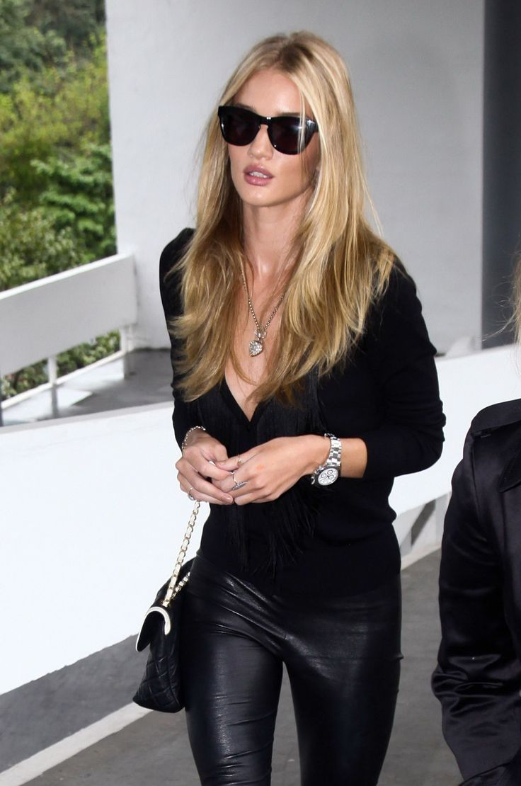 leather pants: Rosie Huntington Whiteley, Black Style, Hair Colors, Holy Chic, All Black, Black Leather, Leather Legs, Black On Black, Leather Pants