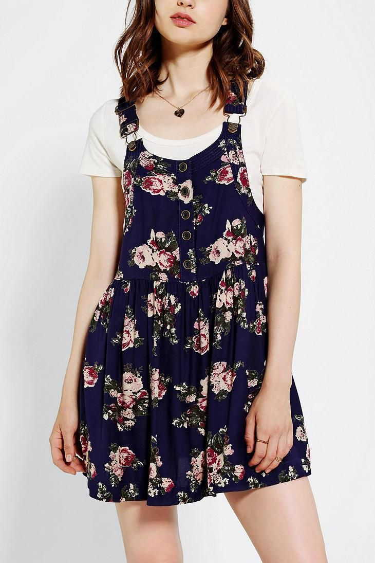 Kimchi Blue Prairie Rose Overall Skirt #urbanoutfitters, overalls aren't my thing, but this overall skirt: SOOOO CUTE!!! <