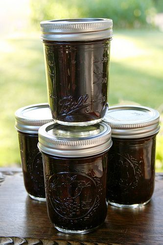 Blueberry jelly made with raw honey.