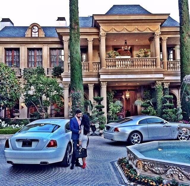 Luxury Lifestyle perfect!! Dreams come true depending on how much effort you put in!!!
