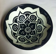 Henna-inspired sgraffito bowl; I have an idea that comes to mind when I saw this...I'll make some concepts drawings and show you monday
