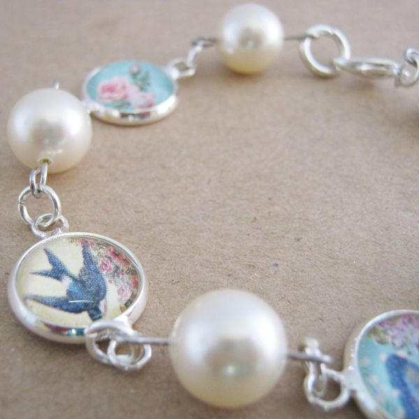 Shabby chic glass & pearl bracelet | On A Whim Designs | madeit.com.au