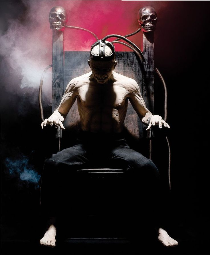 ELECTRIC CHAIR Halloween Prop