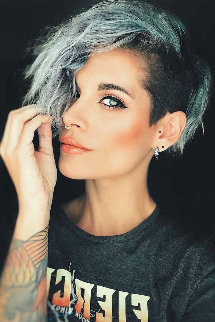 Black Grey Turquoise Hair Short Length Hairstyles Grey Shirt Tattoos Lightning Bolt Earrings In 2020 Short Hair Undercut Cool Short Hairstyles Undercut Hairstyles