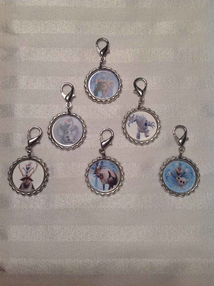 Frozen inspired Bottle cap key chains or backpack clips. Great addition to loot bags/party favours. Images can be customized to match your theme. Find us on FaceBook: www.facebook.com/perfectlittleadditions. Contact us via email: perfectlittleadditions@yahoo.ca
