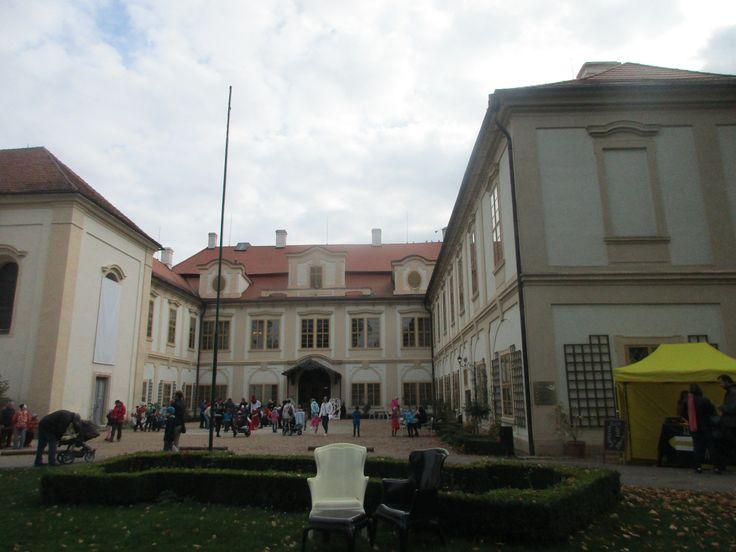 Barokní zámek Loučeň - okres Nymburk - Středočeský kraj