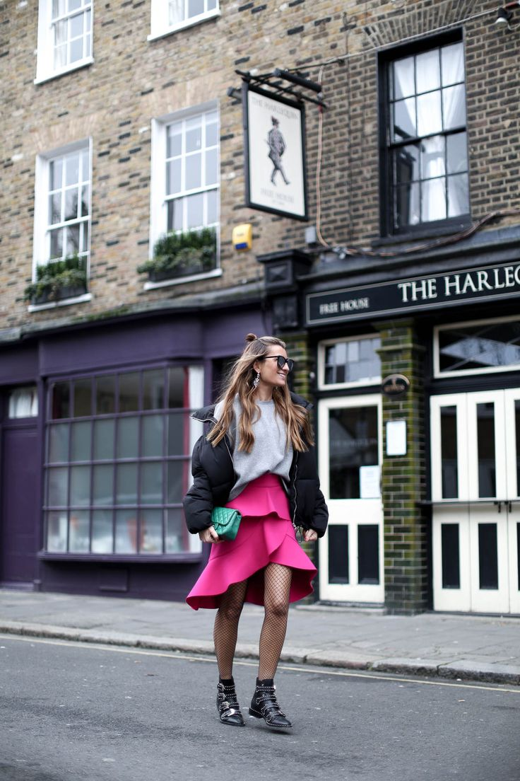 POP OF PINK IN #LFW london - Bartabac