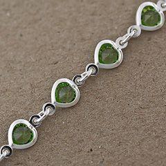 Bransoletka z zielonymi kamieniami.