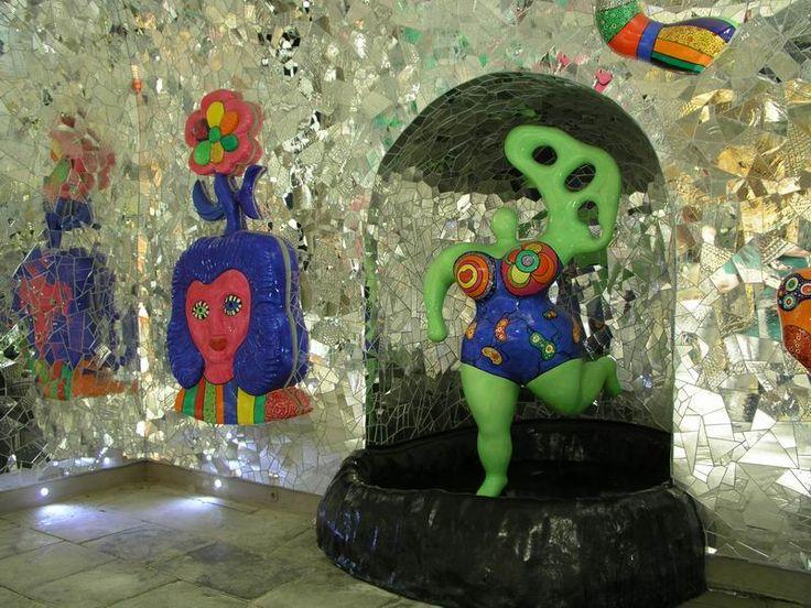Beautiful Niki de Saint Phalle u une nana pas me les autres