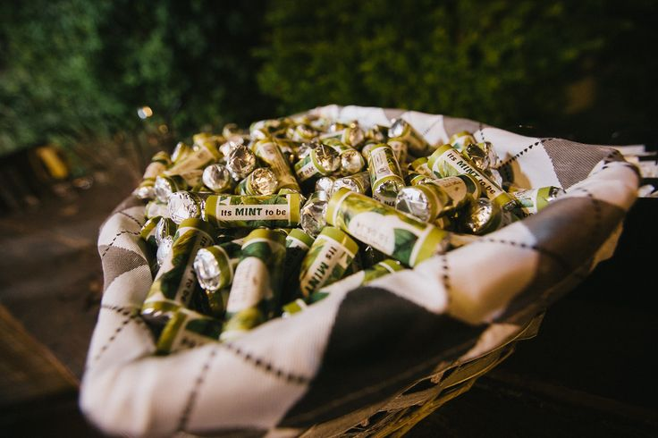 #Wedding #photography #ItsMintToBe #Pattern #Leafs #Mentos #GiveAway photographer: @noamagger.