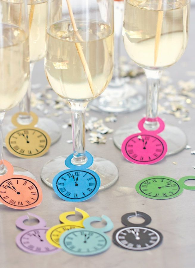 Clock Free Printable For 2015 New Years Eve Party   Wine Glasses, Clock  Craft,