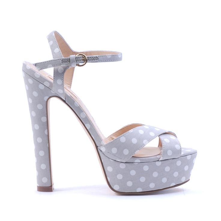 Siren Shoe - Cute! This shoe screams spring racing. Pair with a floral sweet heart dress for the perfect look #RacingStyle