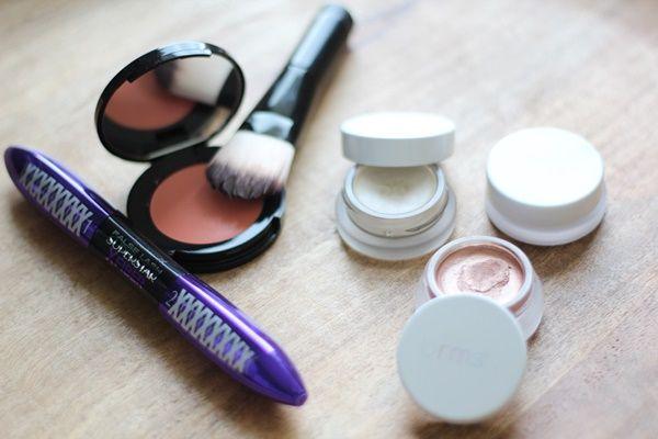 Frühlings Make-UP, Natur-Kosmetik, RMS Beauty organisch, biologische Inhaltsstoffe, Bobbi Brown, Teoxane RHS  Hydrogel Mask, Loreal Color Riche Matte Lippenstift,