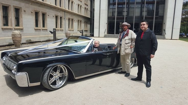 Papa Sean. Papa Bill. Josh. Lincoln Continental. Werribee Mansion.