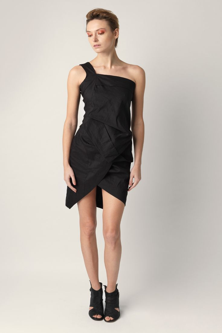 One shoulder dress Malloni with straight neckline made up asymmetric top and skirt. Made of linen and viscose stretch.