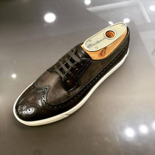 Dark brown brogues shoes in leather by #Santoni.  Available at: http://www.incrocio.gr/en/brogues-shoes/santoni-shoes-4.html