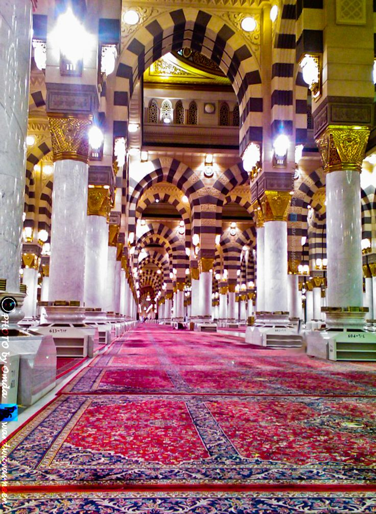 Inside Masjid an-Nabawi (The Prophet's Mosque) - Al-Masjid an-Nabawi (The Prophet's Mosque) in Madinah, Saudi Arabia | IslamicArtDB.com