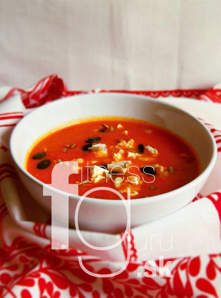 Polévka z pečených paprik s oregánem