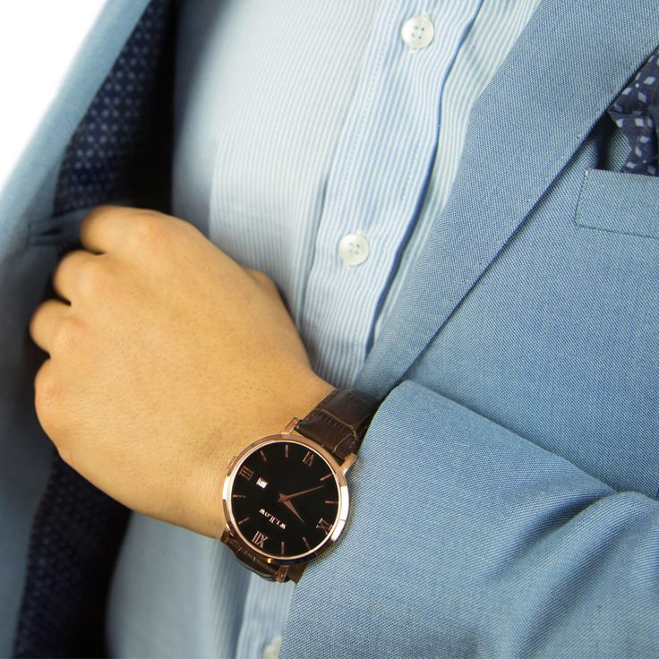 Time to suit up feat our Roma & Croco leather strap.
