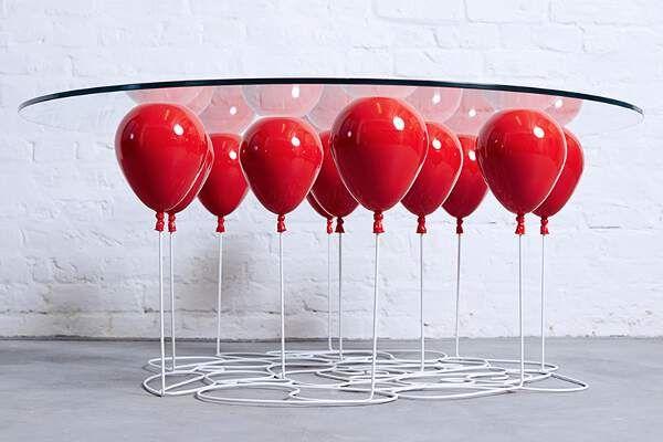 Meja Caf Unik Ini Disangga BalonUdara   25/03/2015   Housing-Estate.com, Jakarta - Seorang seniman bernama Christopher Duffy merancang meja untuk kopi dengan menggunakan balon udara sebagai penyangganya. Meja ini bekerja dengan konsep levitasi dan daya apung ... http://propertidata.com/berita/meja-cafe-unik-ini-disangga-balon-udara/ #properti #jakarta