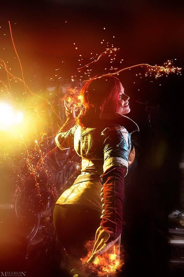 Fantastic Triss Merigold cosplayer!