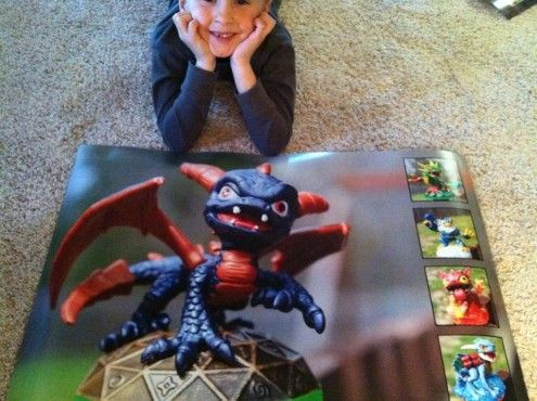 Make Your Own Posters (Easy!) | take photos of your kids toys and make them a one of a kind awesome poster!