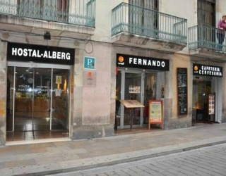 Hostal Fernando is located on the busy Carrer Ferran between The Ramblas and the historic Plaça Sant Jaume, so it's also perfect for Plaça Reial and is ideal for the younger traveller on a budget, who wants to be in the thick of things.