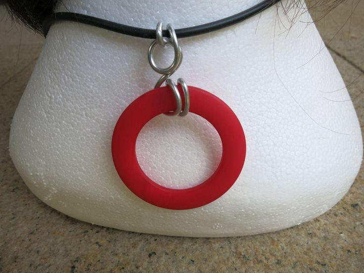 Halskette (Kautschuk) Circolo rosso von der woll-loewe auf DaWanda.com