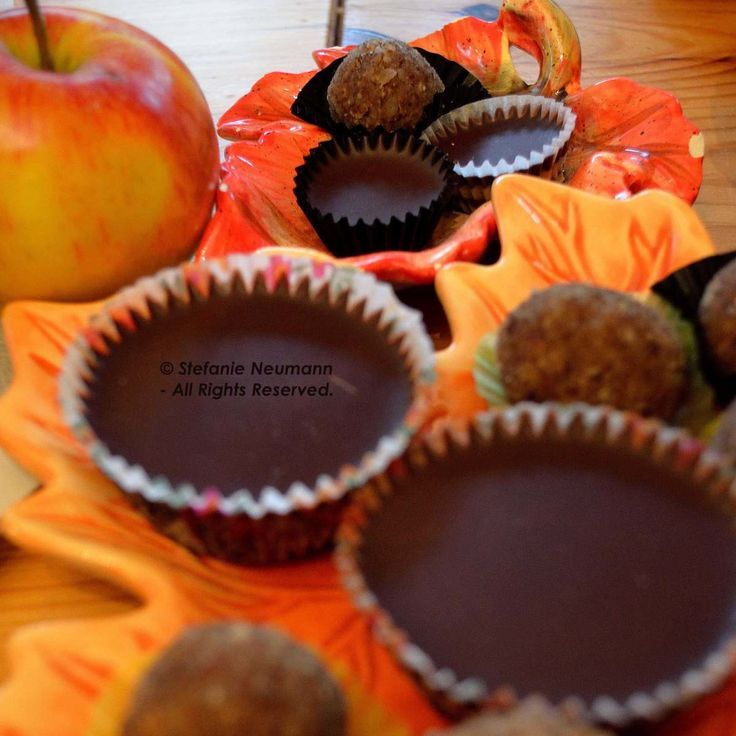 "#AUTUMN TREATS by Stefanie Neumann on #KokopelliBeeFree Media  2014-11-05: ""Who says one has to choose between healthy and yummy?!"" -Stefanie Neumann  #KBFPhotography #HealthyAndYummy #SweetnessOfLife"