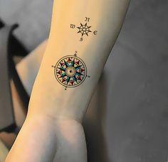 Los tatuajes de brújula son de inspiración marina, que se adapta a los gustos de…