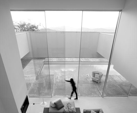 The windows of the world new full height glazing systems for Full glass sliding doors