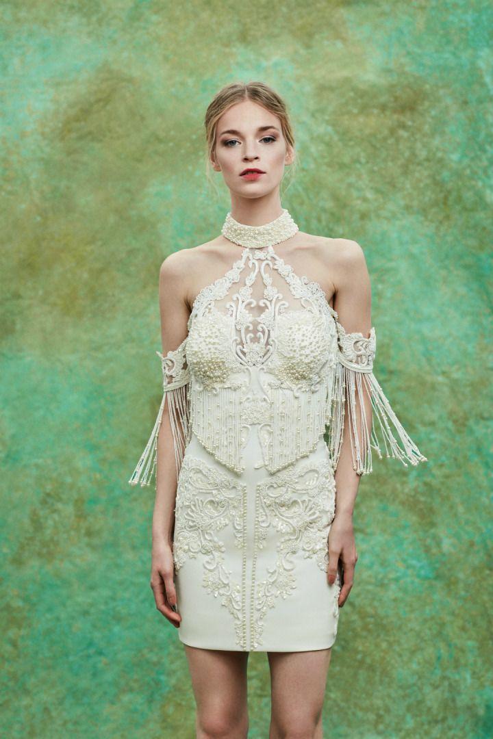 cb41633fc13ea Begüm Salihoğlu 2018 İlkbahar/Yaz sezonu için hazırladığı gelinlik  koleksiyonunu sundu. Düğün sezonuna yön veren gelinlik modelleri
